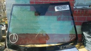 Saturn vue front windshield 2008 for Sale in Tampa, FL