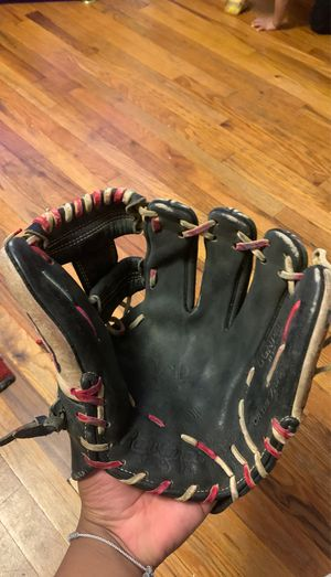 Rawlings baseball glove for Sale in The Bronx, NY