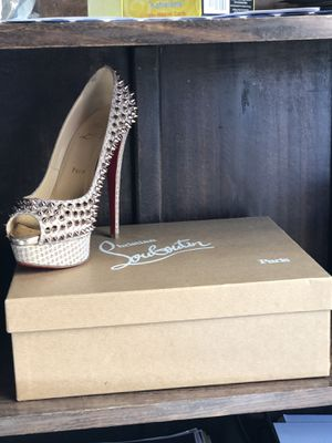 Louboutin Red Bottoms - size 8.5 - nude spiked lady peeps - rare - barely worn for Sale in La Jolla, CA