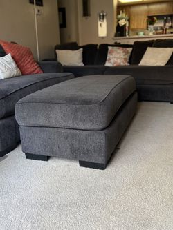 Sofa Set With Ottoman for Sale in Ontario,  CA