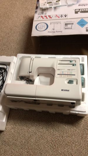Maquina de coser nueva for Sale in Washington, DC