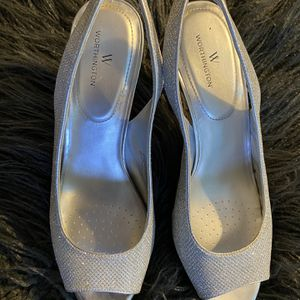 Silver Heels Size 9.5 for Sale in Salem, OR