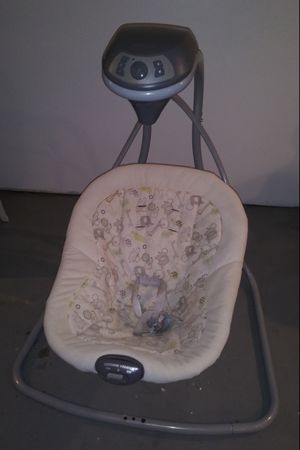 Graco Baby Swing for Sale in Maywood, IL