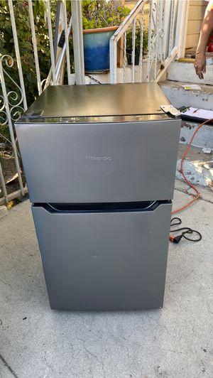 Hisense mini Refrigerator 3.2 cu ft for Sale in Los Angeles, CA