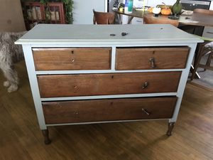 Antique Dresser for Sale in Santa Ana, CA