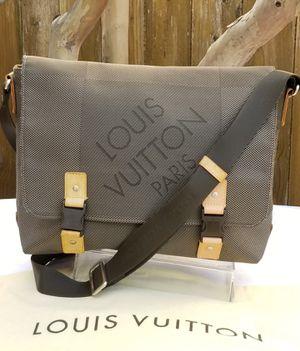 Louis Vuitton Damier Geant Messenger bag for Sale in Arlington, TX