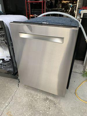Bosh dishwasher new(scratch and dent) for Sale in Bradenton, FL