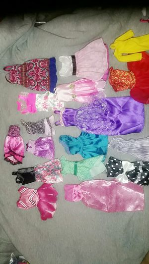 Barbie monster high ever after high clothes for Sale in East St. Louis, IL