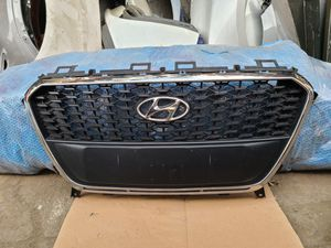 2016 - 2017 Hyundai Sonata hybrid grill oem parts for Sale in Los Angeles, CA