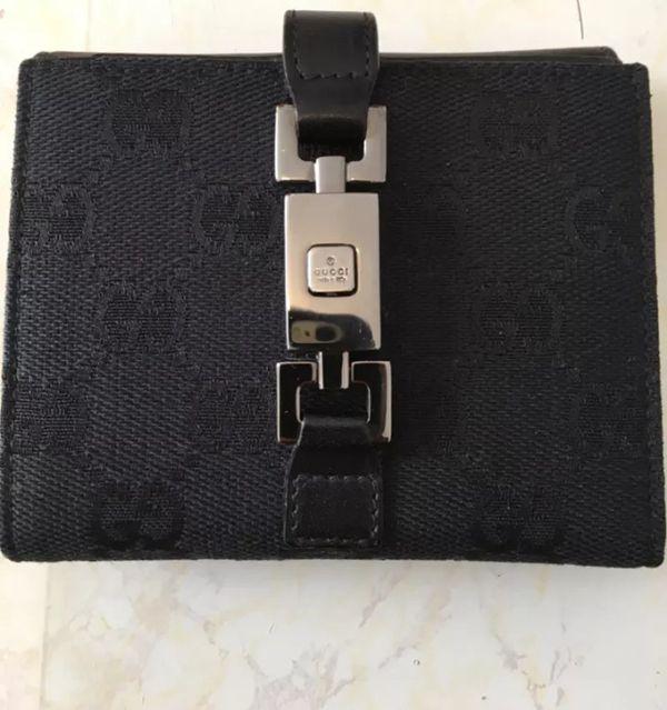 women's vintage Gucci Wallet
