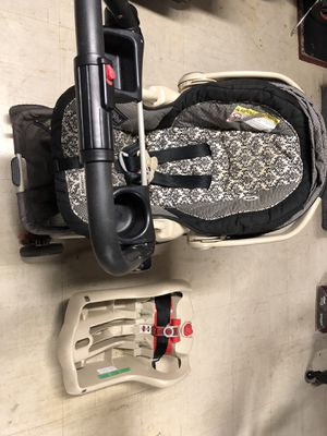 Graco snugride 35 infant car seat and stroller for Sale in Fremont, CA