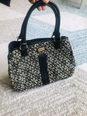 Tommy Hilfiger bag for Sale in Fairfax, VA