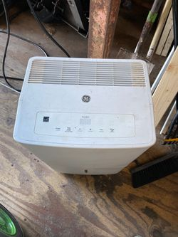 GE dehumidifier with built in pump for Sale in Lithia,  FL