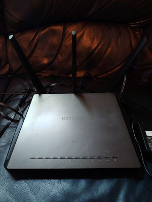 NETGEAR Nighthawk AC1900 Smart WiFi Router, R7000 for Sale in St. Petersburg, FL