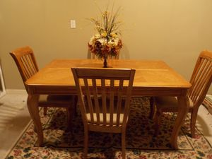 Dining Room Table for Sale in Lawrenceville, GA
