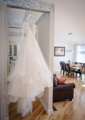 CasaBlanca Wedding Dress for Sale in Chicopee, MA