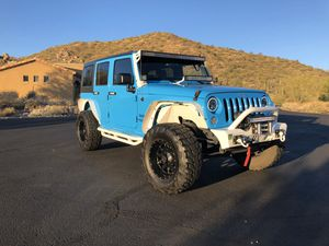 """Jeep Wrangler 2017 LOW miles 35"""" tires loaded for Sale in Scottsdale, AZ"""