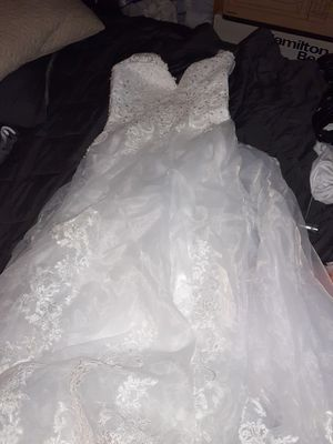 Formal/Wedding Dresses, Tuxedos, and more for Sale in Bakersfield, CA