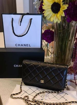 Lovely Chanel! 🥰 Shipping Only!🚚 for Sale in Mims, FL