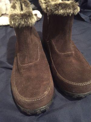 Khombu boots Women's 10 brand new for Sale in Las Vegas, NV