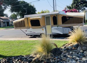 Fleetwood 2004 Bayside Tent Trailer for Sale in Valley Home, CA
