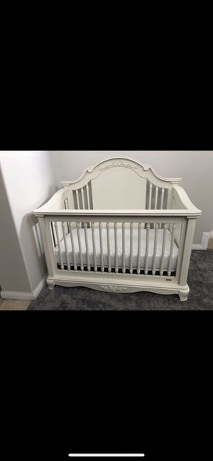 Solid wood- Bassett Addison crib for Sale in Anaheim, CA
