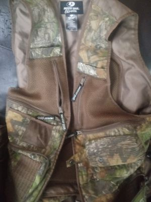 Mossy oak turkey hunt vest for Sale in Harrisonburg, VA
