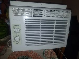 FRIGIDAIRE BTU-5000 WINDOW AC for Sale in Vancouver, WA