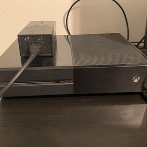 Xbox One Bundle for Sale in Damascus, OR