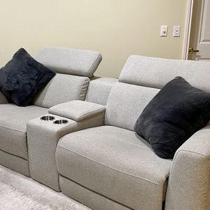 Reclining Couch with USB Charging for Sale in Los Angeles, CA