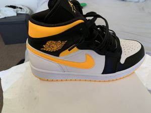 "Jordan 1 Mid ""Laser Orange "" size 9 men for Sale in Hawthorne, CA"