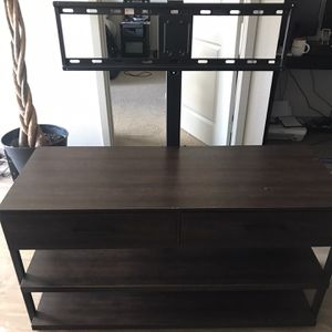 TV stand 46x18.5x26 $30 for Sale in National City, CA