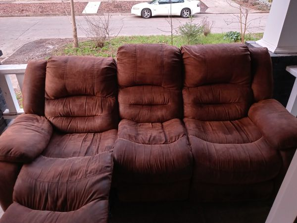 Free Recliner Leather Couch..!