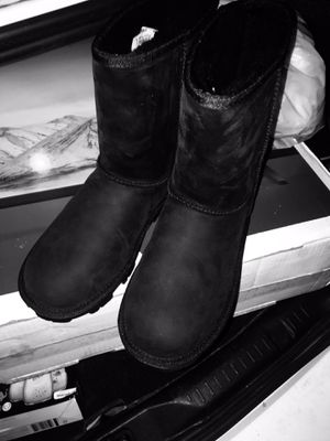 Classic Black UGGs!! Authentic Size 8 Women for Sale in Garden Grove, CA