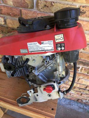 Motor era de una pressure washer el motor funciona bien solo ke no tiene carburador hasi cómo está for Sale in Pasadena, TX