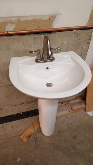 Jacuzzi Pedestal Sink for Sale in Mill Creek, WA