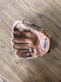 """Wilson T-ball glove 9"""" for Sale in Appleton,  WI"""