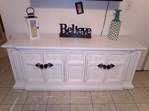 Refinished white Farmhouse Stanley Buffet Credenza $120 H: 28in W: 73in D: 19in 75th Ave & Peoria for Sale in Peoria, AZ