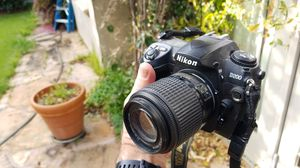 Nikin D200 with 55-200 mm zoom lens for Sale in Redwood City, CA
