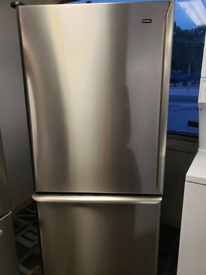 Refrigerator stainless steel 30w/31d/68tall/ for Sale in Tampa, FL