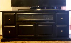Tv Entertainment Center (Solid Wood) for Sale in Marshall, TX