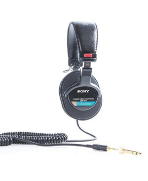 Sony Dynamic stereo headphones MDR-7506 Professional for Sale in Hayward, CA