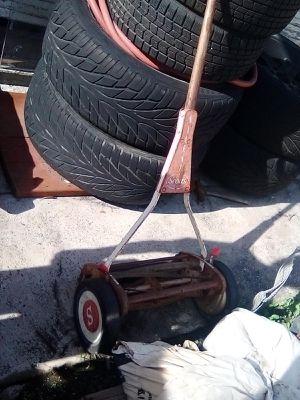 Push lawnmower for Sale in Lynwood, CA