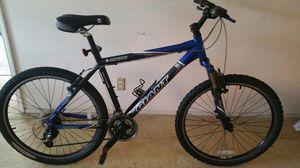 Giant mountain bike 24 speed for Sale in Oakland Park, FL