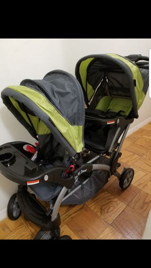 Baby Trend - Sit N Stand Double Stroller for Sale in Washington, DC