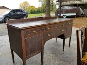 antique dining room table and hutch for Sale in Oregon City, OR