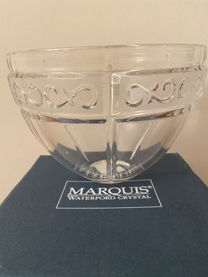 Marquis by Waterford Arabesque Fruit Bowl. Size 9x5 for Sale in Alexandria, VA