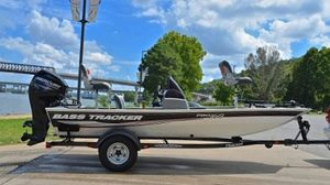 Bass Tracker 2011 Pro Boat for Sale in Baltimore, MD