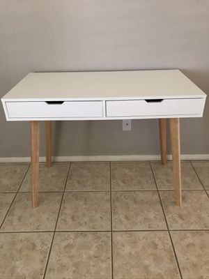 New White desk $160 dimensions shown in pic for Sale in Chula Vista, CA