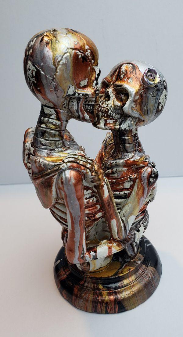 7.5in ceramic skeleton